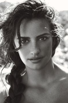 Penelope Cruz in Dolce  Gabbana for Vogue US June 2011#Repin By:Pinterest++ for iPad#