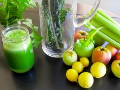 Juliana Sobral's Bright Green Detox - Looking for delicious green juice recipes? This dandelion, kale, celery, lime and apple blend is one of the best detox juices I have tasted. YUMMO!