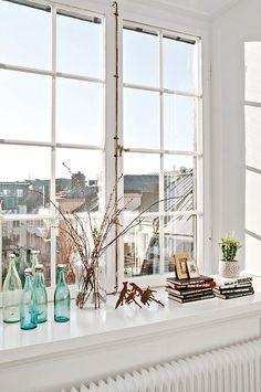 Home design ideas - Home renovation ideas - Interior Design Ideas… Window Ledge Decor, Window Ideas, Interior Decorating, Interior Design, Bay Window, Window View, Hygge, Home Renovation, Interior And Exterior