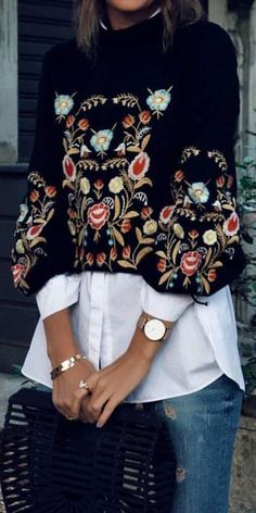 Sweet Retro Chic Loose Embroidery Long Sleeve Knitting Sweater clothes for women boho chic Women Sweater Retro Chic, Retro Style, Mode Outfits, Fashion Outfits, Womens Fashion, Look Fashion, Winter Fashion, Mode Hippie, Floral Sweater