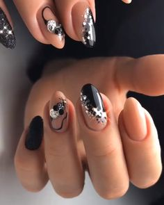 Look at our spring nail designs .Spring nail designs 2020 is an abundance of all kinds of varieties, and we are ready to tell Nail Designs Pictures, Black Nail Designs, Nail Art Designs, Nails Design, Black Nail Art, Black Nails, Trendy Nail Art, Cool Nail Art, Winter Nails