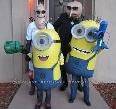 Over-the-Top Despicable Me Family Costumes – Entirely Homemade!... This website is the Pinterest of costumes