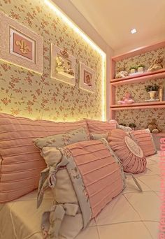 Quarto de menina florido Bedroom Sets, Girls Bedroom, Bedroom Decor, Little Girl Rooms, Fashion Room, How To Make Bed, Baby Decor, Beautiful Bedrooms, Interior Design Living Room