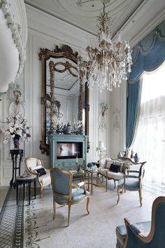 Luxurious livingroom with a European Flair