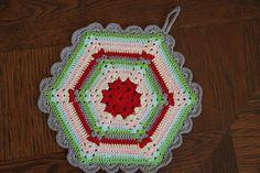 crochet hexagon | ... - free vintage crochet climbing trellis hexagon potholder pattern