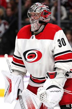 DENVER, CO - NOVEMBER 02: Cam Ward #30 of the Carolina Hurricanes tends goal against the Colorado Avalanche at the Pepsi Center on November 2, 2017 in Denver, Colorado. (Photo by Matthew Stockman/Getty Images)