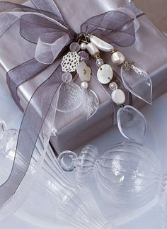 gorgeous, wrapping - beautiful for a wedding/shower gift