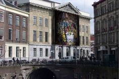 Trailer voor The Agreement. Fotoshoot van Red Saunders over de ondertekening van de Vrede van Utrecht. Het werk wordt binnenkort onthuld op de gevel van het Utrechtse stadhuis.