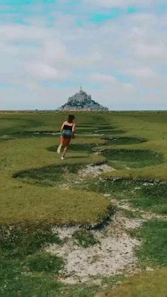 Beautiful Places To Travel, Wonderful Places, Cool Places To Visit, Amazing Destinations, Travel Destinations, Most Visited Sites, Voyager Loin, Virtual Travel, Mont Saint Michel