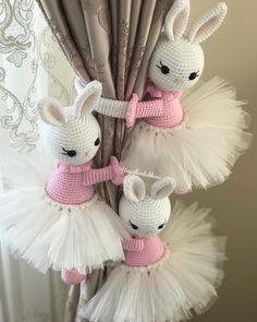 Amigurumi do Zero Crochet Rabbit, Crochet Mouse, Cute Crochet, Crochet Dolls, Crochet Yarn, Crochet Decoration, Crochet Home Decor, Amigurumi Patterns, Knitting Patterns