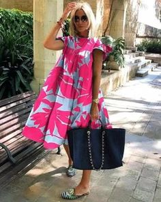 Fashion Themes, Fashion Outfits, Womens Fashion, Style Fashion, Workwear Fashion, Woman Outfits, Fashion Blogs, Holiday Dresses, Summer Dresses