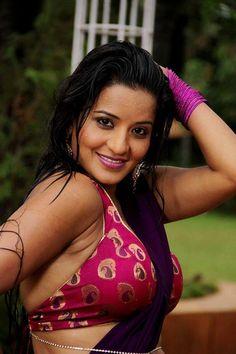 Bhajpuri hot star monalisha big boobs pic