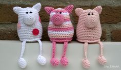 free crochet pattern for these cute crochet piggies in Dutch by Stip & HAAK: Varkentje Pip Crochet Mignon, Crochet Pig, Crochet Amigurumi, Crochet Food, Love Crochet, Amigurumi Patterns, Crochet Animals, Crochet Dolls, Crochet Patterns