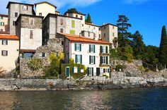 Discover and book the best apartments and villas on the shores of the lakes of northern Italy. Ideal for rentals and short breaks to feel at home. Cool Apartments, Rental Apartments, Lake Como Italy, Waterfront Homes, Northern Italy, Luxury Villa, My Dream Home, Vacation, Mansions