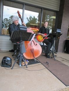 The Mellow Tones live on the patio