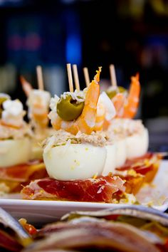 """This could be the best """"pintxo"""" you can taste in Northern Spain. Ham, egg, tuna, olive and shrimp. Just delicious. Spanish Dishes, Spanish Tapas, Tapas Menu, Party Finger Foods, Snacks, Appetisers, Fish Dishes, Quiches, Sandwiches"""