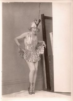 """Mae Murray rose to fame in the silent film era and was known as """"The Girl With the Bee Stung Lips"""" and """"The Gardenia"""" of the screen. Mae Murray, Lee Curtis, Silent Film, Showgirls, World Best Photos, Classic Movies, Old Hollywood, Burlesque, Amy"""