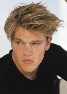 Young Matt Damon in Black T-Sh is listed (or ranked) 15 on the list 20 Pictures of Young Matt Damon Jason Statham Young, Jason Momoa, Brad Pitt, Matt Damon Young, Stars D'hollywood, Wow Photo, Good Will Hunting, Daniel Henney, Jason Bourne