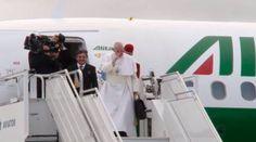 El Papa Francisco se despide de Suecia y vuelve a Roma 01/11/2016 - 07:55 am .- Alrededor de las 12.40 (hora local), el Papa Francisco llegó al aeropuerto internacional de Malmö para regresar a Roma, Italia.