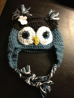 Owl knitted hat.