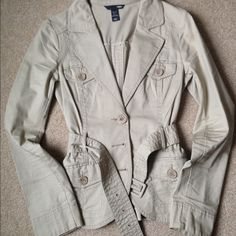 H&M JACKET  Beautiful Jacket, ideal for those chili days in spring or fall. Wear it with jeans for a nice relaxing look or with a nice skirt for a more casual look. H&M Jackets & Coats Utility Jackets