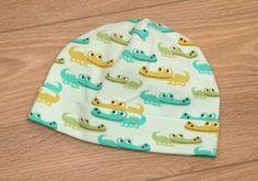 Mütze fürs Baby mit Krokodilen von Martin Teufl auf DaWanda.com