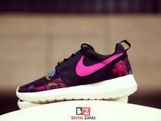 07e63268ff68  sneaker  nike  wmns print premium  aloha pack 749986 061