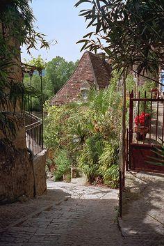 La-Roque-Gageac - {Plus Beaux Villages} Dordogne | by © Dale Musselman