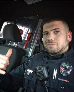 71 Police Officer Ideas Men In Uniform Hot Cops Police Officer