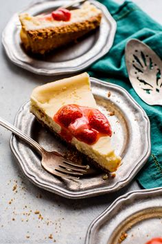 If you don't want to make a big regular cheesecake, try this easy creamy small batch cheesecake with only 5 slices!