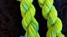 navajo-plyed yarn - spring-green Navajogezwirnt - Frühlingsgrün!