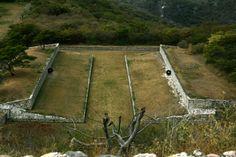 Campo de juego de pelota. Xochicalco Morelos, México