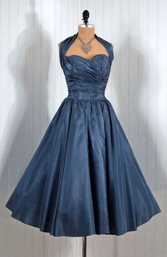 Dress 1950s #dress #retro #partydress #fashion #vintage #promdress #cocktail_dress #highendvintage #feminine #petticoat