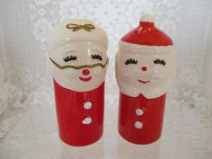 Salt Pepper Shakers, Salt And Pepper, Vintage Christmas Images, Santa Clause, Holiday Fun, Presents, Shapes, Plastic, Ps