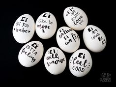Ei like it – Ostereier mal anders Paint easter eggs, Easter decorations, Easter eggs with handlettering, Lettering ideas, Paint Happy Easter, Easter Bunny, Easter Eggs, Mason Jar Crafts, Mason Jar Diy, Spring Decoration, Galaxy Bath Bombs, Diy Ostern, Easter Traditions