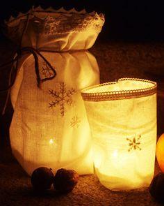 Lightbags (Lichtüten -   Das wär ja mal ne Resteverwertung für meinen beigen Baumwollstoff vom Möbelschweden ... aber wohl erst nächstes Jahr)