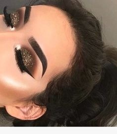 New makeup goals faces make up eyeliner ideas Glam Makeup, Gold Eye Makeup, Cute Makeup, Pretty Makeup, Skin Makeup, Makeup Inspo, Eyeshadow Makeup, Makeup Inspiration, Makeup Ideas