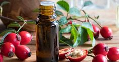 Fighting wrinkles doesn't have to be expensive. Check out the rosehip oil benefits for skin and make anti-aging serum today. #antiaging #faceserum #AntiWrinkle #antiwrinkleserum #diyskincare #carrieroil #moisturizing #skincare #Rejuvenate #scars Rosehip Oil Benefits, Rosehip Seed Oil, Oils For Eczema, Oils For Skin, Facial Cream, How To Treat Acne, Best Anti Aging, Face Serum, Pure Beauty