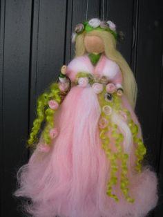 Blumenfee Blumenelfe nadelgefilzte Elfe rosa von LittleWonders4u, $27,00