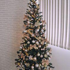 My House, Christmas Tree, Holiday Decor, Diy, Home Decor, Pink Christmas Tree, Gold Christmas, Decorated Christmas Trees, Christmas Decorating Ideas