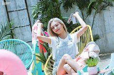 ziyalvanvelsen's kpop images from the web J Pop, Kpop Girl Groups, Korean Girl Groups, Kpop Girls, Bts Kim, Programa Musical, Sana Momo, Kim Jisoo, Scene Photo