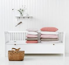 Styling for Oliver Furniture_bench pillows1 / Nordisk Rum by Pernille Grønkjær Taatø / www.blog.nordiskrum.dk