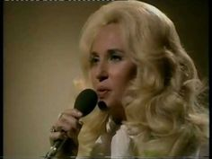 Tammy Wynette - Stand By Your Man (1975). - YouTube