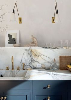 Home Interior Colors Athena Calderone's 36 Must-Have Kitchen Essentials Are Stylish and Practical.Home Interior Colors Athena Calderone's 36 Must-Have Kitchen Essentials Are Stylish and Practical Farmhouse Style Kitchen, Modern Farmhouse Kitchens, New Kitchen, Home Kitchens, Kitchen Ideas, Kitchen Decor, Awesome Kitchen, Beautiful Kitchen, Kitchen Inspiration