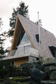 A Whistler A-Frame — Alpine Modern Cafe A Frame House Plans, House Layout Plans, A Frame Cabin, House Layouts, Prefabricated Houses, Prefab Homes, Log Homes, Alpine Modern, Modern Cafe