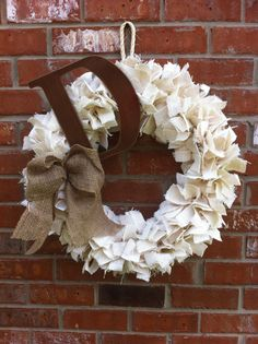 Another fabulous burlap wreath...Cool and easy wreath idea! just burlap strips