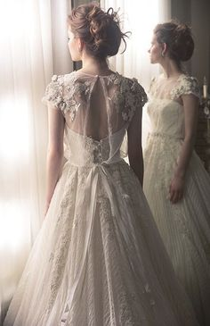 Vintage looking white top. Inspiration for painting wedding dresses vintage - Pink Wedding Dresses Wedding Dress Tea Length, Wedding Dress Black, Pink Wedding Dresses, Country Wedding Dresses, Wedding Dress Trends, Princess Wedding Dresses, Bridal Dresses, Wedding Gowns, Lace Wedding