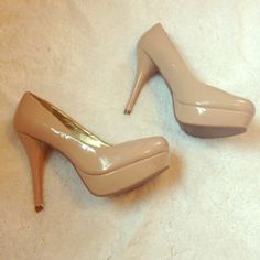 PARTY SALE‼️🎉Nude Pumps. Never worn, but had flaws do to storage. Scratches and dents throughout. Most noticeable scratches shown in picture. Stiletto heel. Approximately 4.5 inch heel with a 1 inch platform. Classic heel, goes with anything. Size 8 Nine West Shoes Heels