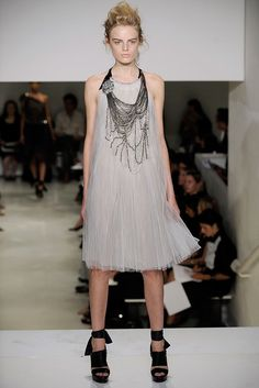 Vera Wang Spring 2010 Ready-to-Wear Fashion Show - Hanne Gaby Odiele