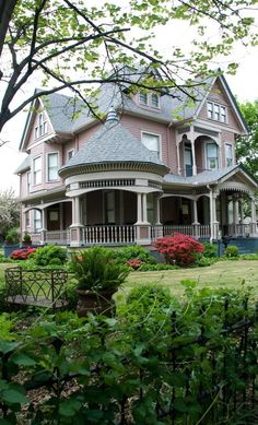 100s of Different Victorian Homes   http://www.pinterest.com/njestates1/victorian-homes/      Thanks To http://www.njestates.net/real-estate/nj/listings